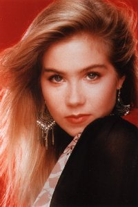 Click Here To Load Christina Applegate